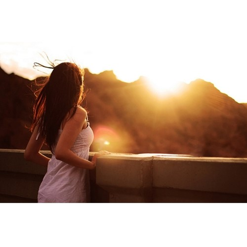 Chụp ngược sáng khi chói nắng