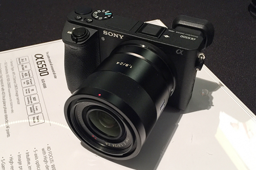 Sony A6500 và Fuji X-T2