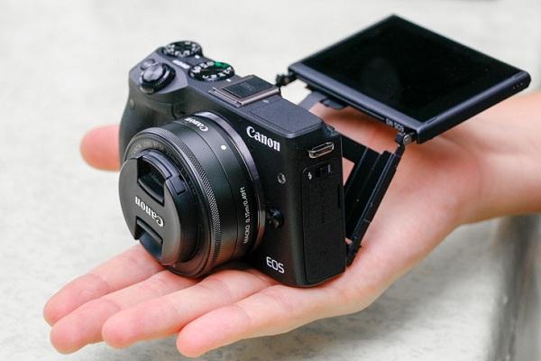 Chọn máy ảnh nào để du lịch trong mùa hè này?