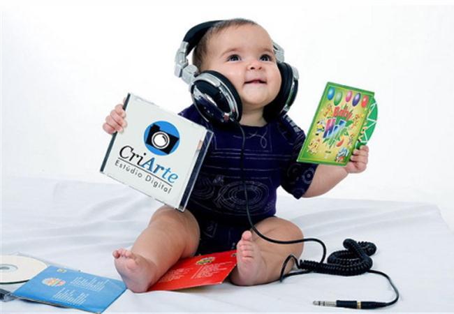 Lợi ích từ việc cho trẻ nghe nhạc sớm