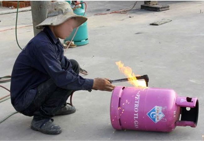 Cảnh báo người dùng tránh gian lận khi mua gas