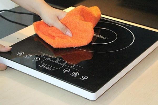 Cách khắc phục sự cố mặt kính bếp hồng ngoại bị nứt vỡ