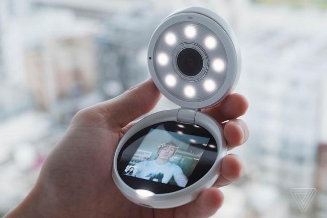 Casio đánh vào giới trẻ với máy ảnh selfie với giá hơn 500 USD ở Trung Quốc