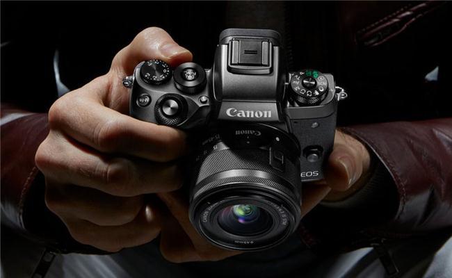 Rò rỉ cấu hình của chiếc máy ảnh mirrorless full-frame Canon