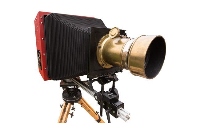 Có điều gì đặc biệt bên trong chiếc máy ảnh large format 8x10 kĩ thuật số đầu tiên