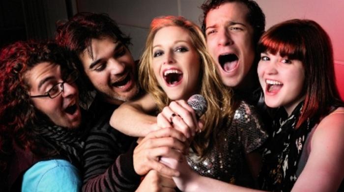 lam-the-nao-de-hat-karaoke-tren-smart-tivi-1