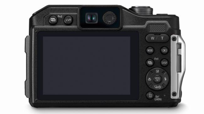 LUMIX DC-FT7 máy ảnh compact không thấm nước đầu tiên có khung ngắm điện tử