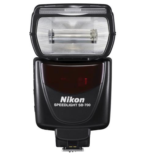 den-flash-nikon-sb700