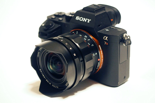 Ống kính Voigtlander 12mm F/5,6 Ultra Wide Heliar Aspherical for Sony