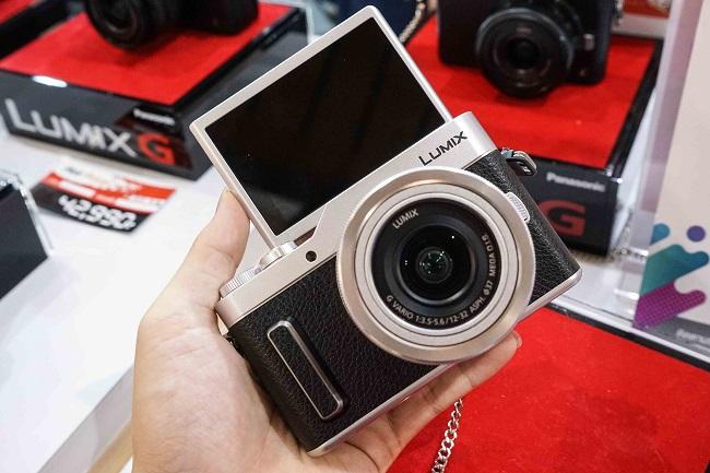 Máy ảnh Panasonic Lumix GF10 + kit 12-32MM (Bạc)