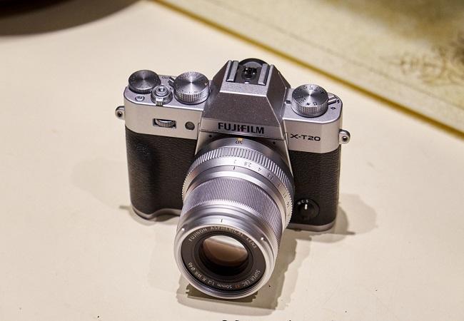 Máy Ảnh FUJIFILM X-T20 Body + XF 50mm f/2 R WR (Bạc)