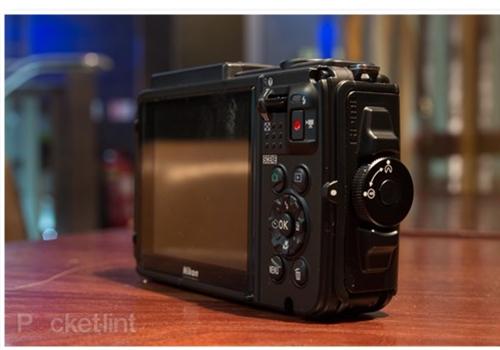 Máy Ảnh Nikon Coolpix AW130 (Đen)