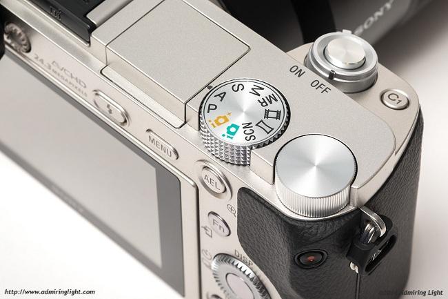 Máy Ảnh Sony Alpha A6000 (ILCE-6000L) kit 16-50 F3.5-5.6 OSS (Bạc)