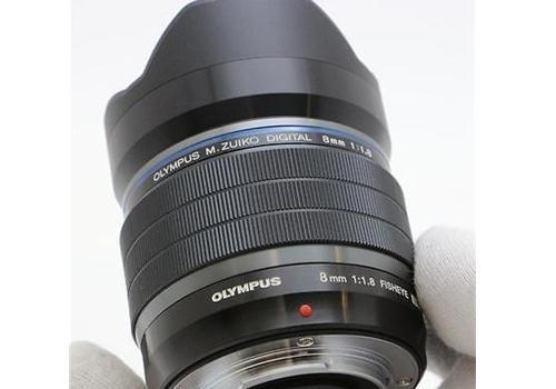 Ống Kính Olympus M.Zuiko Digital ED 8mm F1.8 PRO