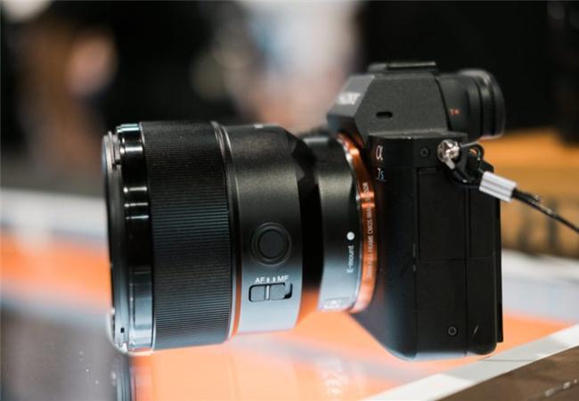 Ống Kính Sony FE 85mm F1.8 (SEL85F18) FULL FRAME