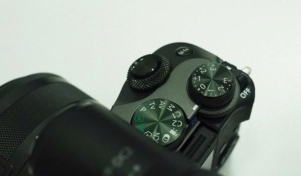Máy ảnh Canon EOS M6