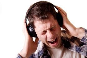 Bạn có đang nghe nhạc trên loa và tai nghe quá to?