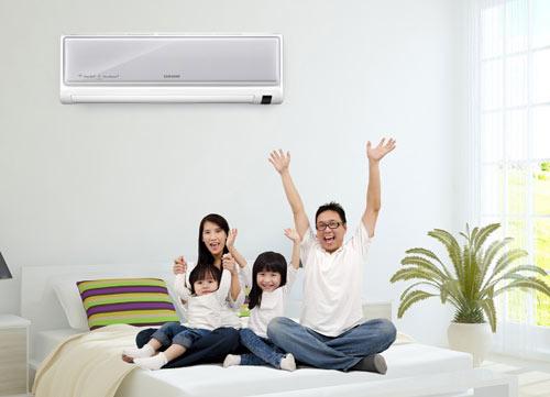 Chọn vị trí lắp đặt máy lạnh như thế phù hợp với phòng ngủ và phòng khách?