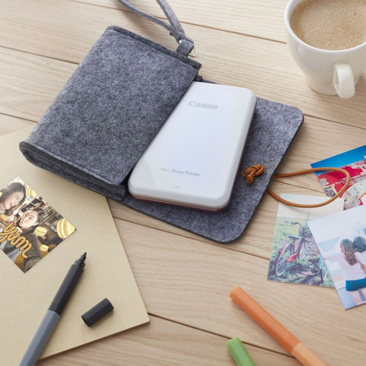 Máy in ảnh mini Canon PV-123 vàng hồng giúp mang những ký ức đáng nhớ nằm mãi trong chiếc điện thoại ra ngoài đời thực qua những tấm ảnh đầy phong cách và ...