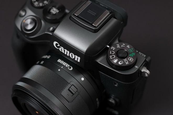 Những đòn đáp trả của Canon và Sony sau khi Nikon ra mắt hệ thống