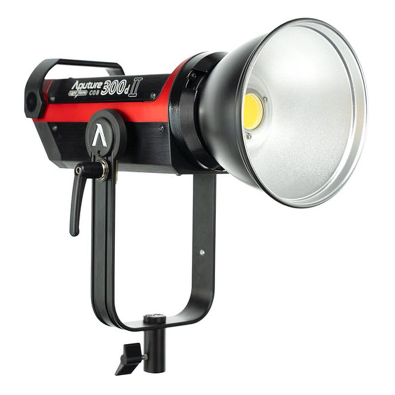 den-led-aputure-light-storm-c300d-mark-ii
