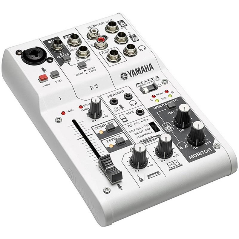 mixer-yamaha-ag03