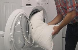 Bạn đã giặt gối bằng máy giặt đúng cách chưa?