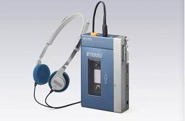 Nhìn lại chặng đường Sony Walkman 35 năm biểu tượng của máy nghe nhạc