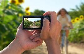 Quên Smartphone đi, hãy tận hưởng mùa hè này bằng top 3 máy ảnh compact