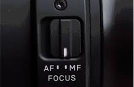Chọn ống kính AF hay ống kính MF?