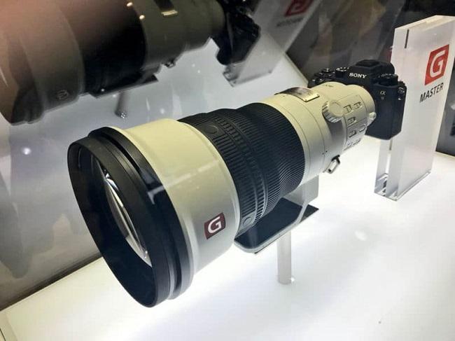 """Sony ra mắt """"quái vật"""" tại WORLD CUP: ống kính 400mm f / 2.8 giá 12.000 USD"""